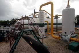 Instalaciones del Centro Colector 10 destinado a la extracción de petróleo, en el municipio Cardenas, en la provincia de Matanzas, en Cuba