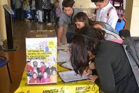 Simpatizantes de Amnistía Internacional envían mensajes de apoyo en Argentina