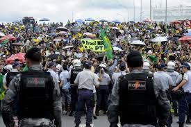 Manifestantes protestan